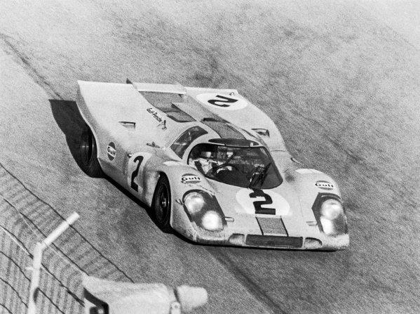 1971 Daytona 24 Hours. Daytona, Florida, USA. 30th - 31st January 1971. Rd 2. Pedro Rodriguez/Jackie Oliver (Porsche 917K), 1st position, action.  World Copyright: LAT Photographic.