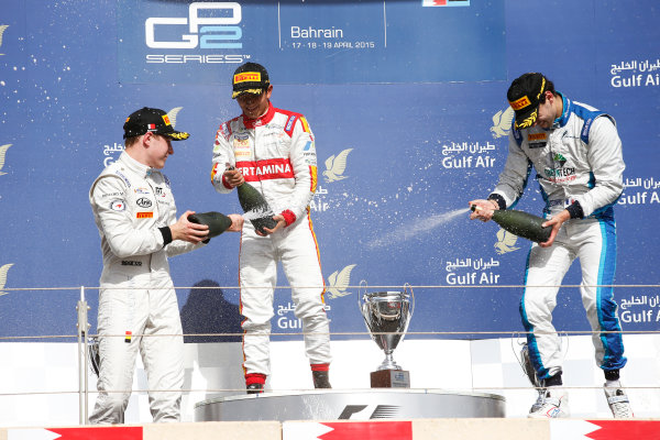 2015 GP2 Series Round 1 - Bahrain International Circuit, Bahrain. Sunday 19 April 2015. Rio Haryanto (INA, Campos Racing), Stoffel Vandoorne (BEL, ART Grand Prix) & Nathanael Berthon (FRA, Lazarus)  Photo: Glenn Dunbar/GP2 Series Media Service. ref: Digital Image _89P9624