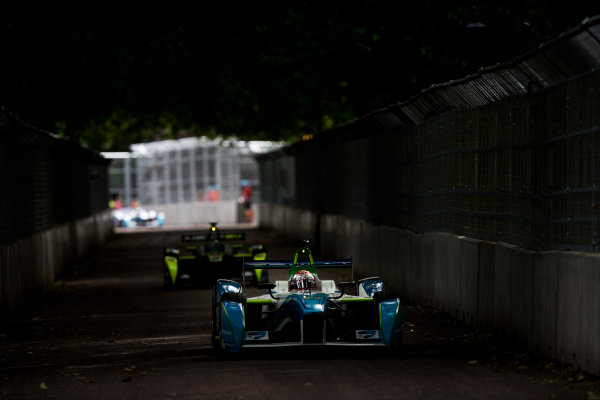 2014/2015 FIA Formula E Championship. London e-Prix, Battersea Park, London, UK. Sunday 28 June 2015. Jarno Trulli (ITA)/Trulli Racing - Spark-Renault SRT_01E World Copyright: Zak Mauger/LAT Photographic/Formula E. ref: Digital Image _L0U9417