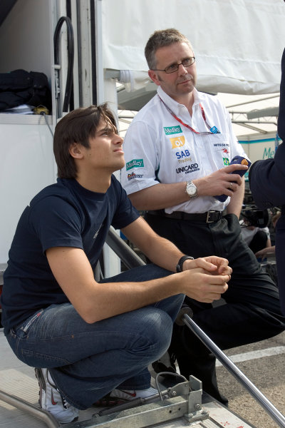 2005 GP2 Series - ImolaAutodromo Enzo e Dino Ferrari, Italy. 21st - 24th April.Thursday Preview.Nelson Piquet Jr. (BR, Hitech Piquet Racing) with team chief Dave Hayle. Portrait.Photo: GP2 Series Media Serviceref: Digital Image Only.