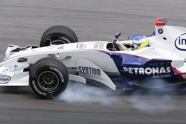 2006 Malaysian Grand Prix - Friday Practice Sepang, Kuala Lumpur. Malaysia. 15th March 2006 Nick Heidfeld, BMW Sauber F1.06, action. World Copyright: Charles Coates/LAT Photographic ref: Digital Image ZK5Y9326.