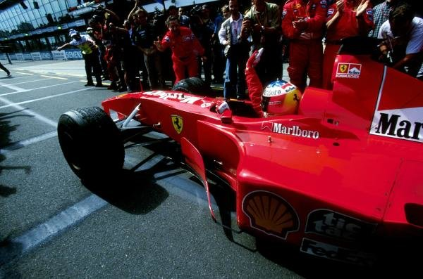 First Australian GP win for Michael Schumacher(GER) Ferrari F1 2000