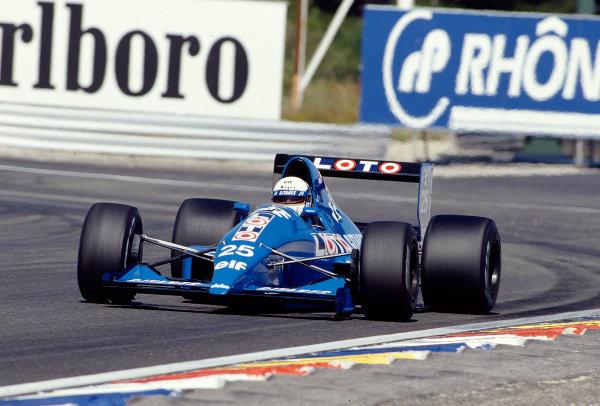 1989 French Grand Prix. Paul Ricard, Le Castellet, France. 7-9 July 1989. Rene Arnoux (Ligier JS33 Ford). Ref-89 FRA 38. World Copyright - LAT Photographic