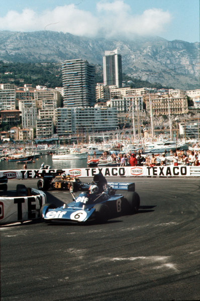 Monte Carlo, Monaco.31/5-3/6 1973.Francois Cevert (Tyrrell 006 Ford) leads Ronnie Peterson (Lotus 72 Ford) at Rascasse. They finished in 4th and 3rd positions respectively.Ref-73 MON 50.World Copyright - LAT Photographic