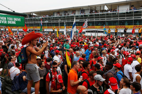 Autodromo Nazionale di Monza, Italy. Sunday 04 September 2016. Fans invade the circuit for the podium celebrations. World Copyright: Sam Bloxham/LAT Photographic ref: Digital Image _SBB9708