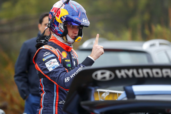 Thierry Neuville, eye training for concentration, Hyundai Motorsport, Hyundai i20 Coupé WRC 2018,