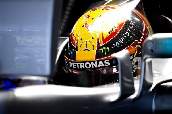 Lewis Hamilton (GBR) Mercedes-Benz F1 W08 Hybrid at Formula One World Championship, Rd2, Chinese Grand Prix, Practice, Shanghai, China, Friday 7 April 2017.