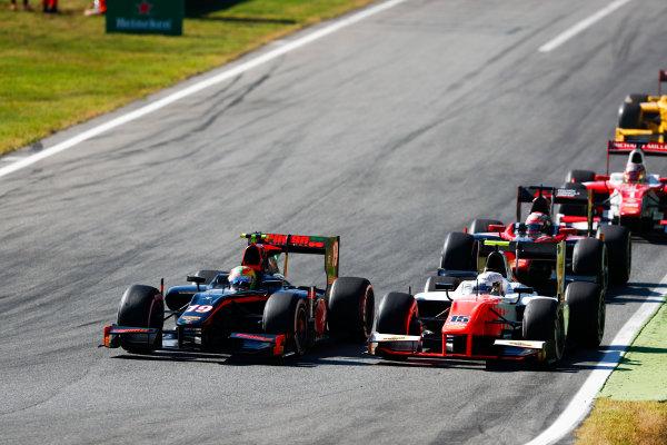 Autodromo Nazionale di Monza, Italy. Sunday 3 September 2017 Roberto Merhi (ESP, Rapax). and Jordan King (GBR, MP Motorsport).  Photo: Bloxham/FIA Formula 2 ref: Digital Image _W6I4663