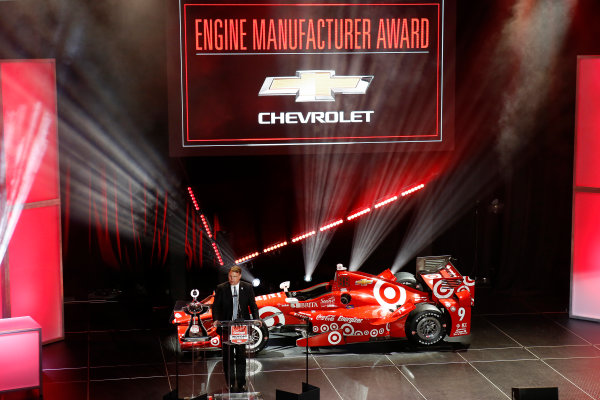 31 August, 2015, San Francisco, California USA Chevrolet VP of Competition Jim Campbell receives the Manufacturers Trophy ?2015, Phillip Abbott LAT Photo USA