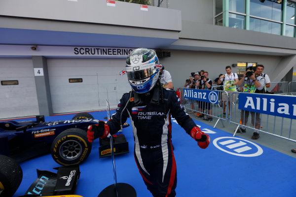 2013 GP2 Series. Round 10.  Marina Bay Circuit, Singapore. 22nd September 2013. Sunday Race.  Sam Bird (GBR, RUSSIAN TIME) celebrates his victory.  World Copyright: Andrew Ferraro/GP2 Media Service  ref: Digital Image _79P8347.jpg