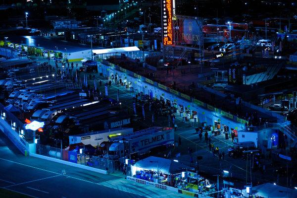 2014 TUDOR United Sportscar Championship Rolex 24 Hours Daytona 23-26 January, 2014, Daytona Beach, Florida USA The garage area at night. ©2014, F. Peirce Williams LAT Photo USA