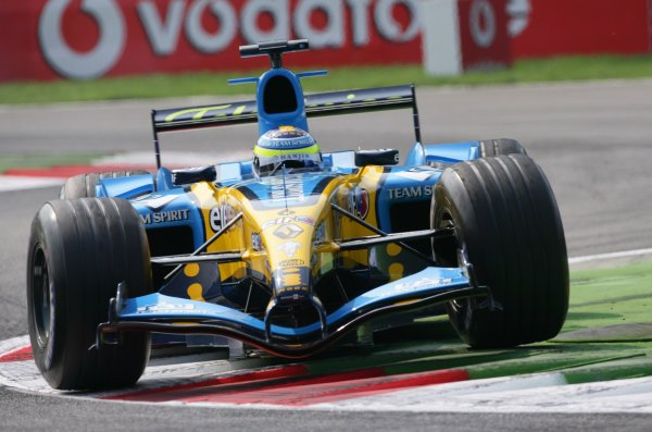2005 Italian Grand Prix - Friday Practice,Monza, Italy. 2nd September 2005 Giancarlo Fisichella, Renault R25, action.World Copyright: Steve Etherington/LAT Photographic ref: 48mb Hi Res Digital Image