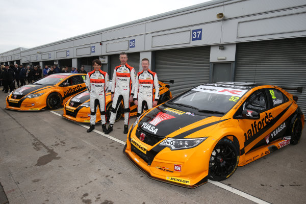 2016 British Touring Car Championship, Media Day, Donington Park, 22nd March 2016, Andy Neate (GBR) Halfords Yuasa Honda Racing, Honda Civic Type R, Matt Neal (GBR) Team Dynamics Honda Civic Type R, Gordon Shedden (GBR) Halfords Yuasa Honda Racing, Honda Civic Type R  World Copyright. Jakob Ebrey/LAT Photographic