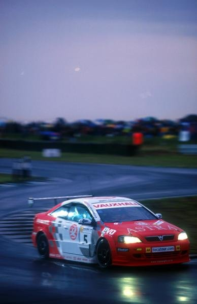 Jason Plato (GBR) Vauxhall Astra Coupe was second in both the Sprint and Feature races.Snetterton, England, 4 August 2001.BEST IMAGE