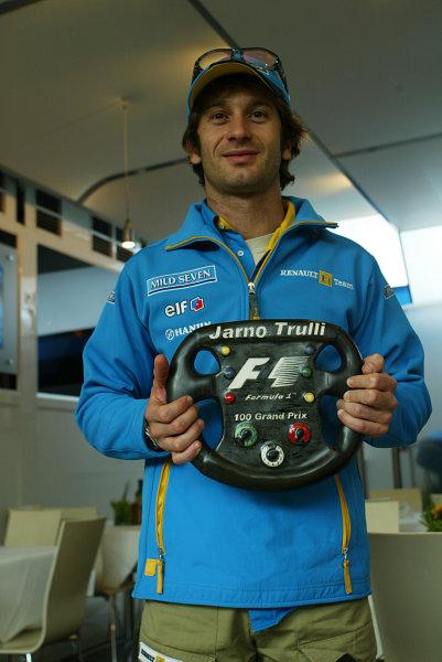 2003 San Marino Grand Prix - Saturday 2nd Qualifying,Imola, Italy.19th April 2003.Jarno Trulli, Renault R23, 100th Grand Prix.World Copyright LAT Photographic.ref: Digital Image Only.
