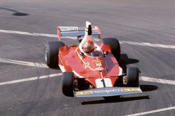 Long Beach, California, USA. 26th - 28th March 1976.Niki Lauda (Ferrari 312T), 2nd position.World Copyright: LAT Photographic.ref: 35mm Transparency