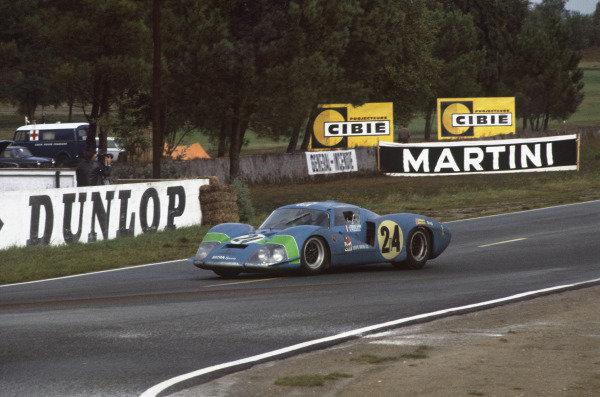 Le Mans, France. 28 - 29 September 1968 Henri Pescarolo/Johnny Servoz-Gavin (Matra MS630), retired, action. World Copyright: LAT Photographic Ref:  68LM17.