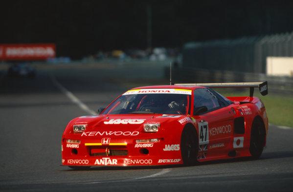 1995 Le Mans 24 Hours. Le Mans, France. 17th - 18th June 1995.  Armin Hahne/Bertrand Gachot/Ivan Capelli (Honda NSX GT1 Turbo), retired, action.  World Copyright: LAT Photographic. Ref:  95LM34