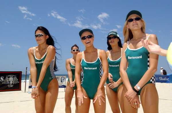 Miss Indy girls prepare for beach volleyball.CART Fedex Series Race Preparations, Rd17, Honda Indy 300, Surfers Paradise, Australia, 23 October 2002.DIGITAL IMAGE