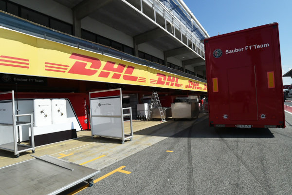 Alfa Romeo Sauber F1 Team garage and freight