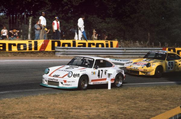 Le Mans, France. 12 - 13 June 1976 Juan-Carlos Bolanos/Hans Heyer/Eduardo Lopez Negrete/Billy Sprowls (Porsche 935), retired, action. World Copyright: LAT PhotographicRef: 76LM32.