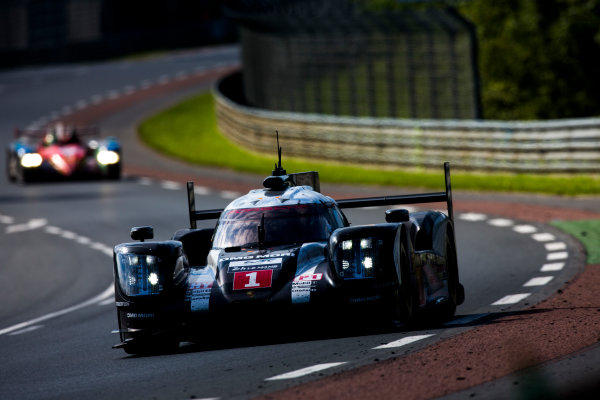 2016 Le Mans 24 Hours. Circuit de la Sarthe, Le Mans, France. Sunday 19 June 2016. Porsche Team / Porsche 919 Hybrid - Timo Bernhard (DEU), Mark Webber (AUS), Brendon Hartley (NZL).   World Copyright: Zak Mauger/LAT Photographic ref: Digital Image _79P8774