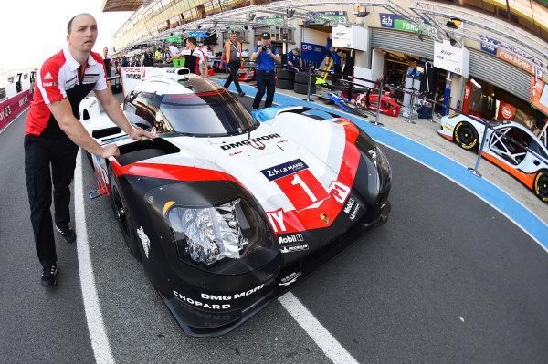 2017 Le Mans 24 Hours test day. Circuit de la Sarthe, Le Mans, France. Friday 2 June 2017 #1 Porsche Team Porsche 919 Hybrid: Neel Jani, Andre Lotterer, Nick Tandy World Copyright: Rainier Ehrhardt/LAT Images ref: Digital Image 24LM-testday-re-0078