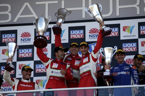 Podium AM: Winner #51 Spirit of Race Ferrari 488 GT3: Paul Dalla Lana, Pedro Lamy, Mathias Lauda .