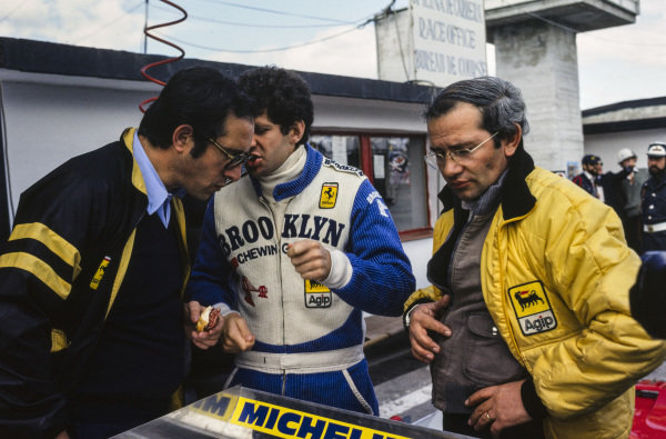 Jody Scheckter talks with engineer Mauro Forghieri.