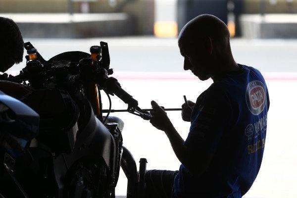 Pata Yamaha mechanic, Pete.