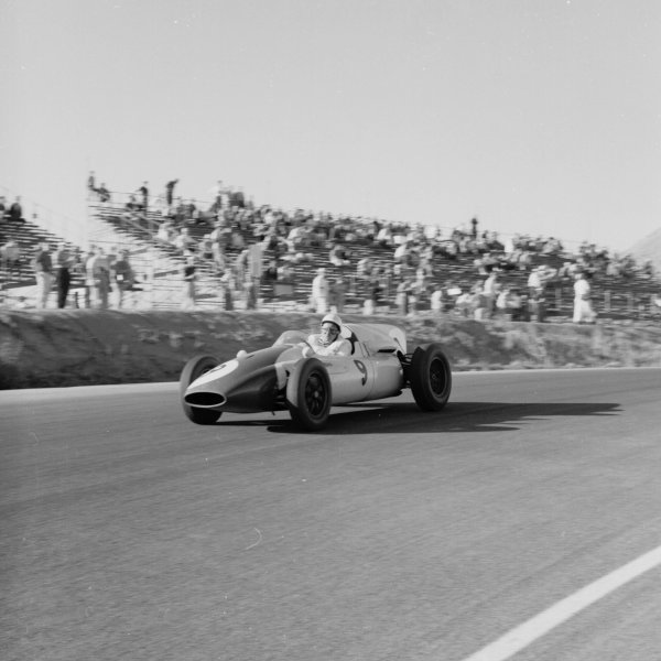 1960 United States Grand Prix.Riverside, California, USA.18-20 November 1960.Phil Hill (Cooper T51 Climax) 6th position.Ref-7485.World Copyright - LAT Photographic