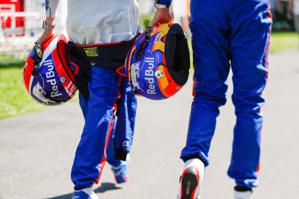 Alexander Albon, Toro Rosso helmet and Daniil Kvyat, Toro Rosso, helmet