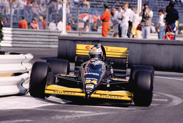 1989 Monaco Grand Prix.Monte Carlo, Monaco.4-7 May 1989.Luis Perez Sala (Minardi M188B Ford).Ref-89 MON 52.World Copyright - LAT Photographic