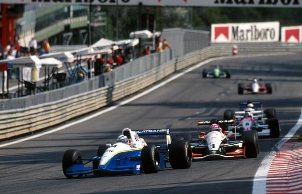 Race winner Olivier Panis (FRA) DAMS Reynard 93D Cosworth AC leads the field.