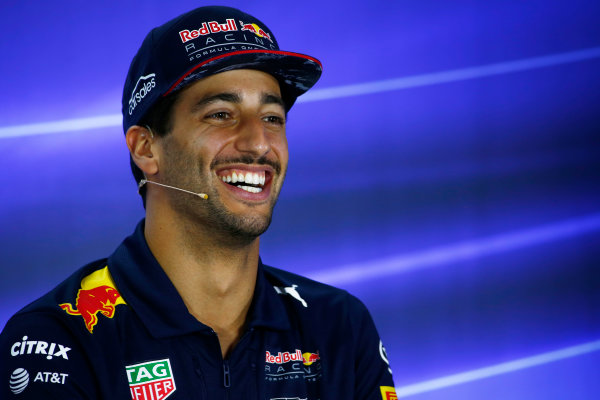 Yas Marina Circuit, Abu Dhabi, United Arab Emirates. Thursday 23 November 2017. Daniel Ricciardo, Red Bull Racing,in the press conference. World Copyright: Andy Hone/LAT Images  ref: Digital Image _ONY9634