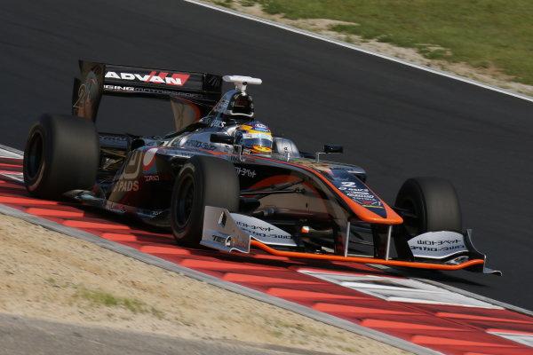 2017 Japanese Super Formula. Okayama, Japan. 27th - 28th May 2017. Rd 2. Race 2 2nd position Hiroaki Ishiura ( #2 P.MU/CERUMO ? INGING SF14 ) action World Copyright: Yasushi Ishihara / LAT Images. Ref: 2017SF_Rd2_Race2_010
