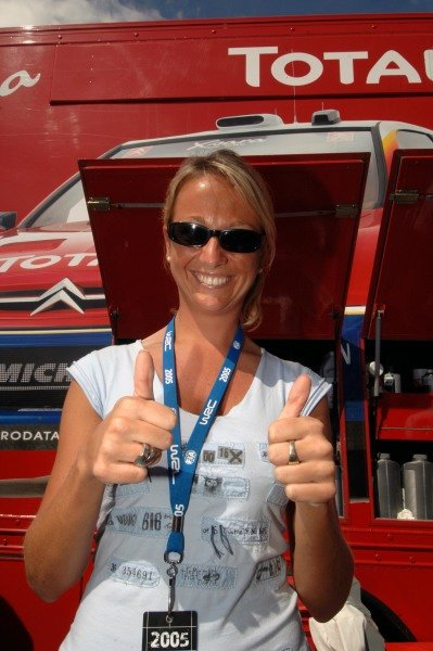 Thumbs up from Severine, the girlfriend of Sebastien Loeb (FRA).