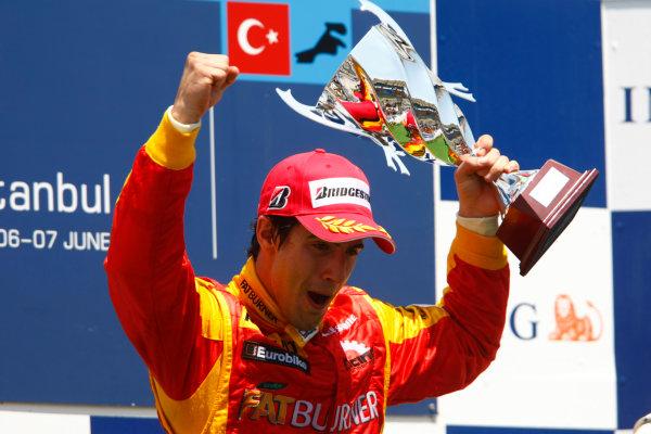 Sunday Race. 7th June 2009. Lucas Di Grassi (BRA, Fat Burner Racing Engineering) celebrates his victory on the podium. World Copyright: Charles Coates/ GP2 Series Media Service.Ref: _26Y5666 jpg