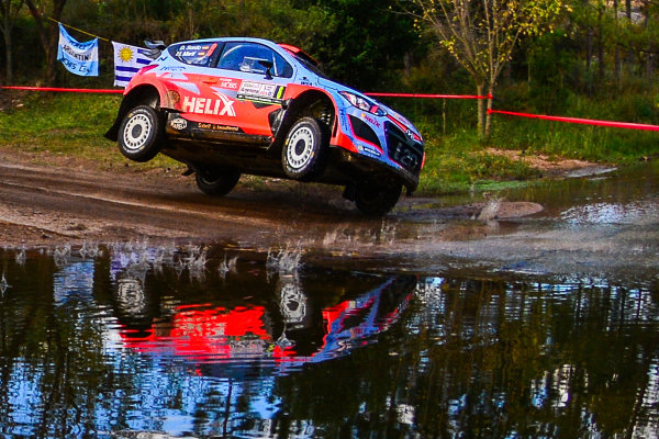Thierry Neuville (BEL) / Nicolas Gilsoul (BEL) Hyundai i20 WRC at World Rally Championship, Rd4, Rally Argentina, Day One, Carlos Paz, Argentina, 24 April 2015.