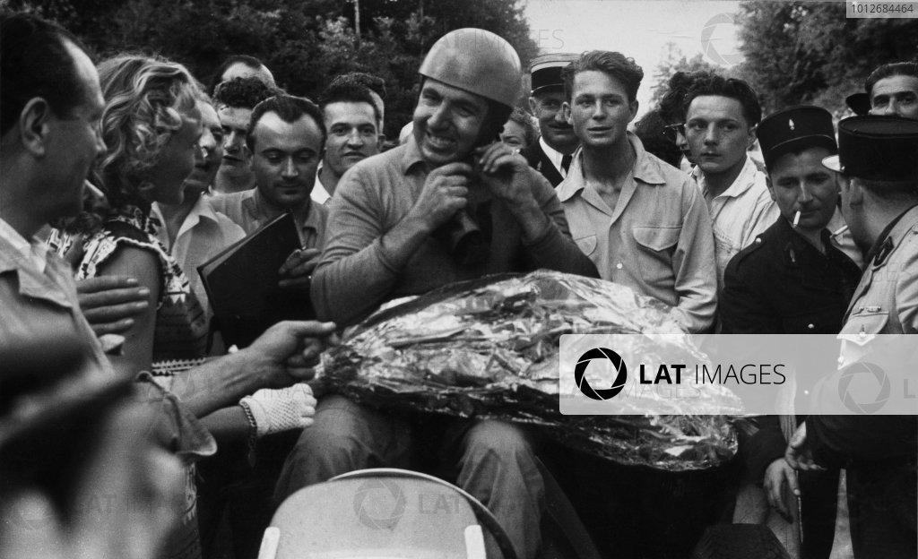 Rouen-les-Essarts, France. 4th - 6th July 1952.Alberto Ascari (F2 Ferrari 500) 1st position, portrait.World Copyright: LAT Photographic.Ref: Autocar Used Pic 11th July 1952 Pg 865.