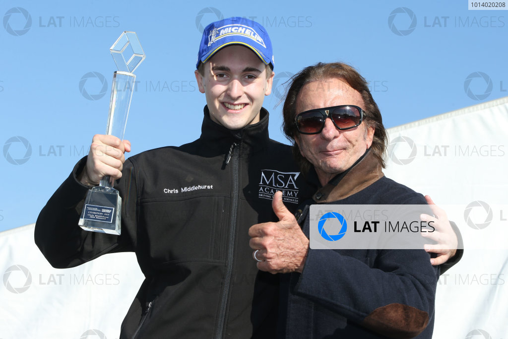 Chris Middlehurst (GBR) MGR Formula Renault and Emerson Fittipaldi (BRA)