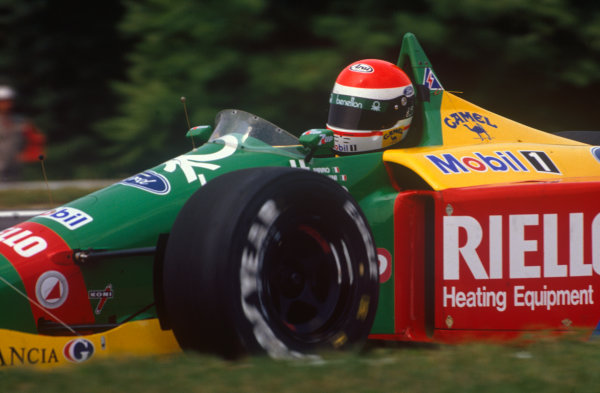 Hungaroring, Hungary. 11th - 13th August 1989.Emanuele Pirro (Benetton B189-Ford), 8th position, action. World Copyright: LAT Photographic.Ref:  89HUN