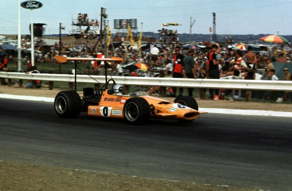 1969 South African Grand Prix.Kyalami, South Africa.27/2-1/3 1969.Bruce McLaren (McLaren M7A Ford) 5th position.Ref-69 SA 17.World Copyright - LAT Photographic