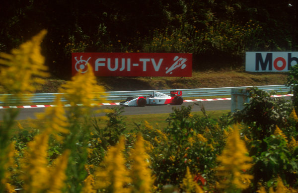 1992 Japanese Grand Prix.Suzuka, Japan.23-25 October 1992.Gerhard Berger (McLaren MP4/7A Honda) 2nd position.Ref-92 JAP 08.World Copyright - LAT Photographic