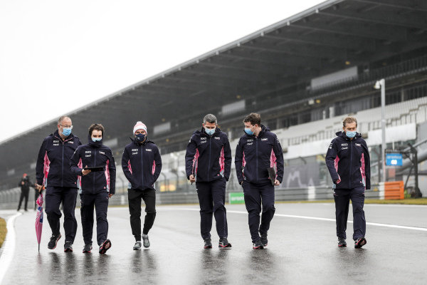 Sergio Perez, Racing Point walks the track with his team