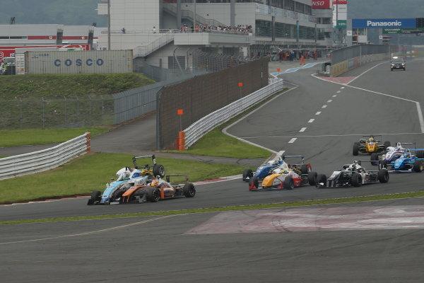 2014 All-Japan F3 Championship. Fuji, Japan. 11th - 13th July 2014. Rd 4. Race 2 - Start of the race, action. World Copyright: Yasushi Ishihara / LAT Photographic. Ref: 2014JF3_Rd8&9_015.JPG