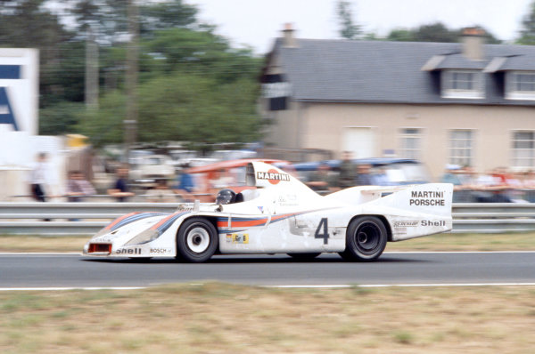 1977 Le Mans 24 hours. Le Mans, France. 11-12 June 1977. Jacky Ickx/Jurgen Barth/Hurley Haywood (Porsche 936), 1st position. Ref: 77LM01.  World Copyright: LAT Photographic