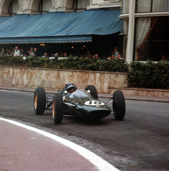 1962 Monaco Grand Prix. Monte Carlo, Monaco. 31 May - 3 June 1962. Jim Clark (Lotus 25-Climax), retired, action.  World Copyright: LAT Photographic. Ref:  Colour Transparency.