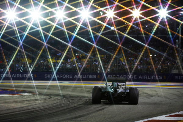 Marina Bay Circuit, Marina Bay, Singapore. Sunday 18 September 2016. Lewis Hamilton, Mercedes F1 W07 Hybrid. World Copyright: Steven Tee/LAT Photographic ref: Digital Image _O3I8966