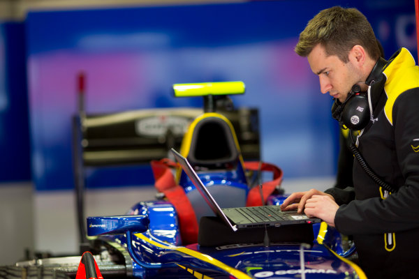 Circuit de Barcelona Catalunya, Barcelona, Spain. Monday 13 March 2017. A DAMS engineer at work.  Photo: Alastair Staley/FIA Formula 2 ref: Digital Image 580A9265